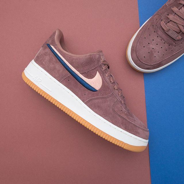 Air Force 1 07 Lx Baskets Basses Pin De Lucia Mendiberry En Zapatos Con Imagenes Zapatos Nike Mujer Zapatos Nike Zapatillas Nike