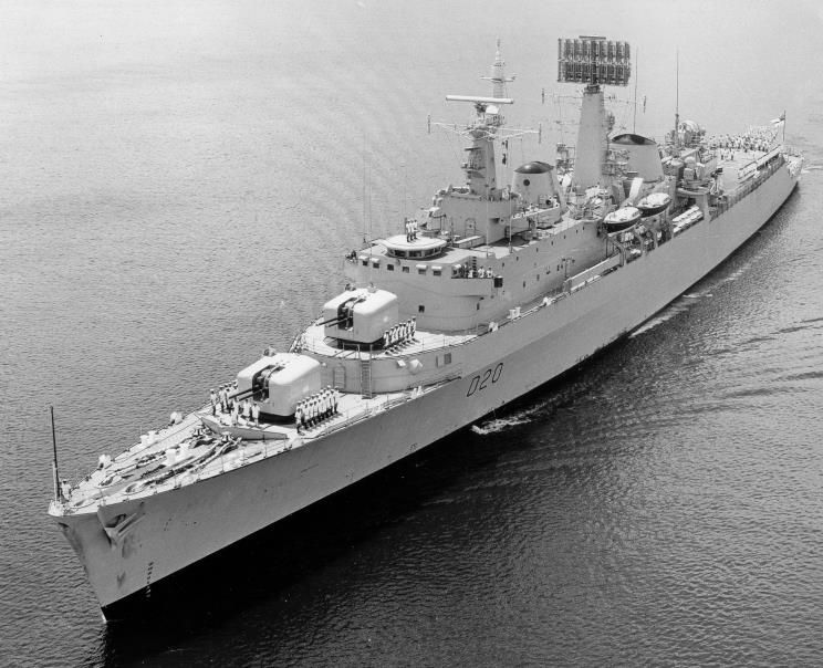 Hms Fife D20 The First Ship Of The Batch 2 County Class Destroyers She Was Built By Fairfield Shipbuilding Laid 1 06 Royal Navy Ships Navy Day Royal Navy