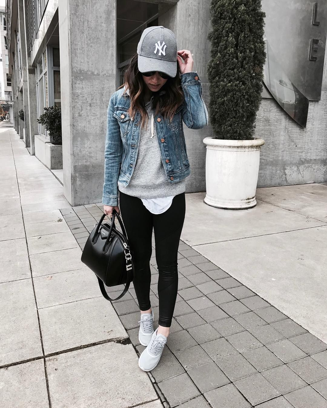 Instagram Athleisure Outfits Casual Winter Outfits Outfits With Leggings [ 1350 x 1080 Pixel ]
