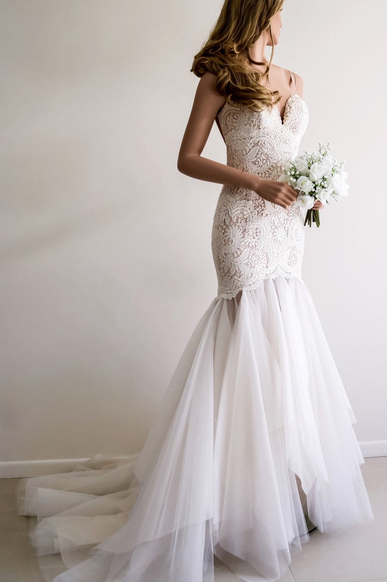 Wedding Dresses for Neat Hourglass Shaped Brides in 2018 ...
