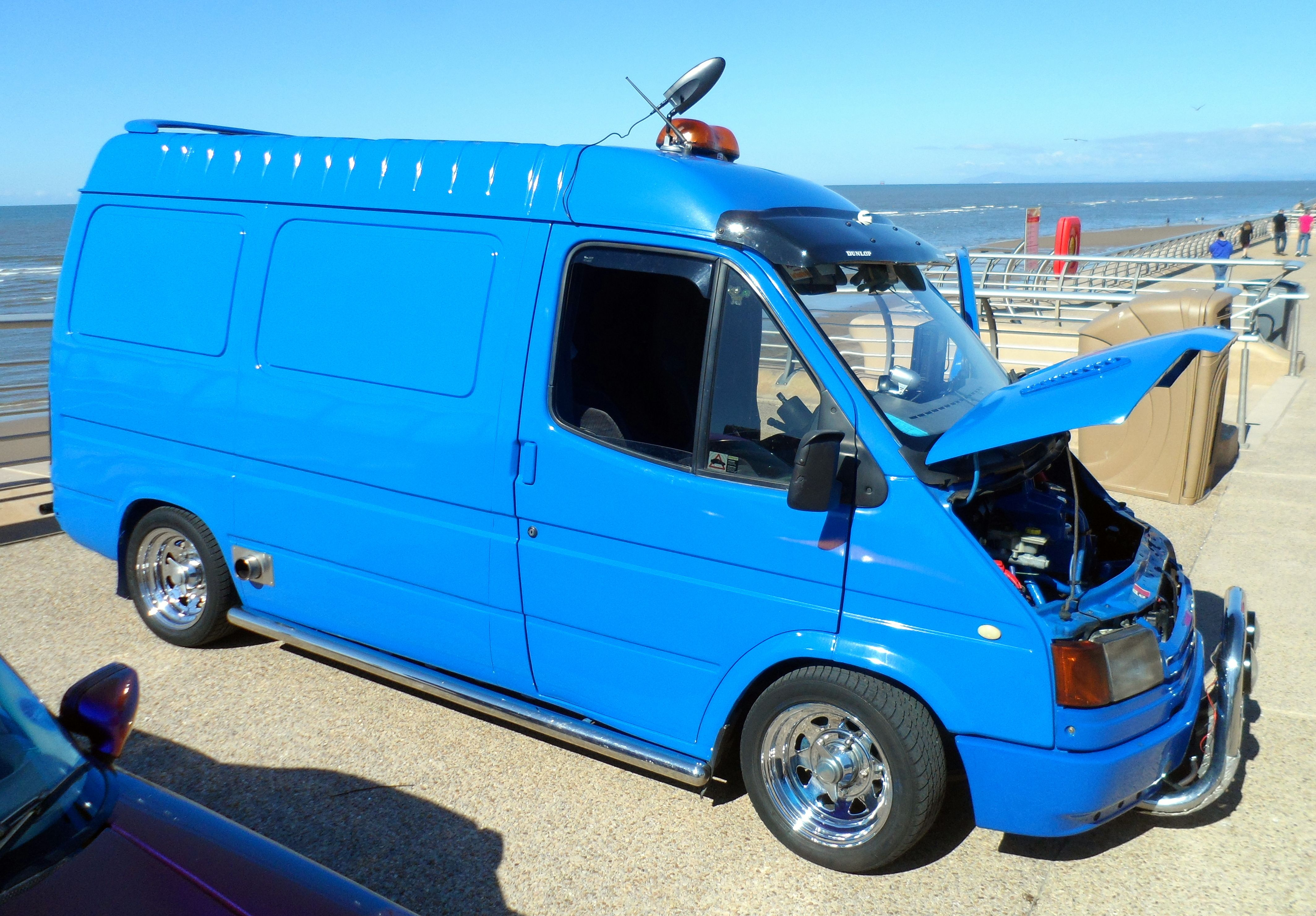 df8f8e9a1682fa Modified Ford Transit