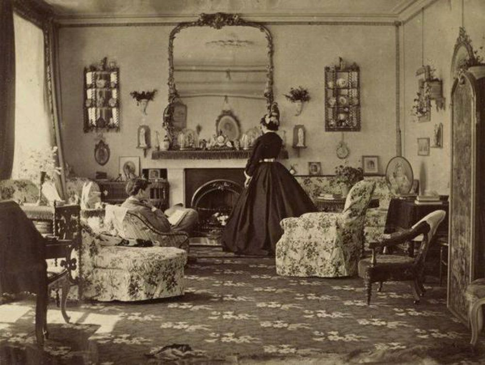 A Rare Look Inside Victorian Houses From The 1800s (13 Photos) | We Interior Design Of Homes In Late S on houses in the 1800s, home interior designs from the 1800s, house in south 1800s,