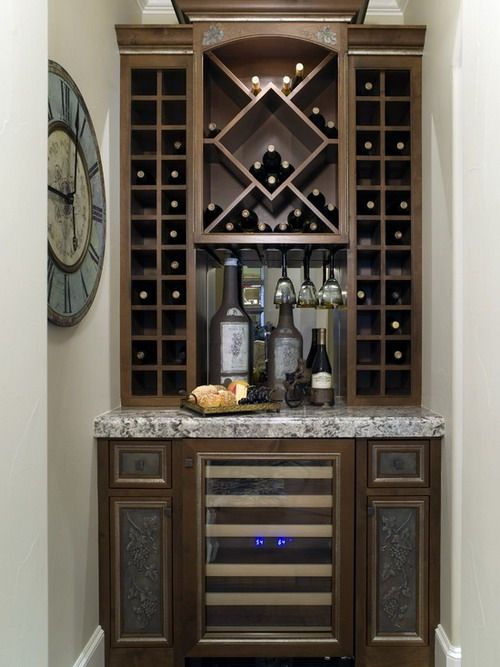 Contemporary wine cabinet with custom hanging glass for Modern built in cupboards