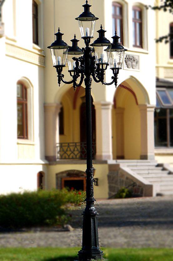 elegante klassische kandelaber Mastleuchte Aluminiumguss von Trax-Matthies  #leuchten #lampen