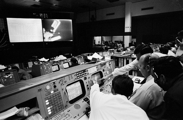 Flight directors for the Skylab 1 and 2 missions by NASA: 2Explore