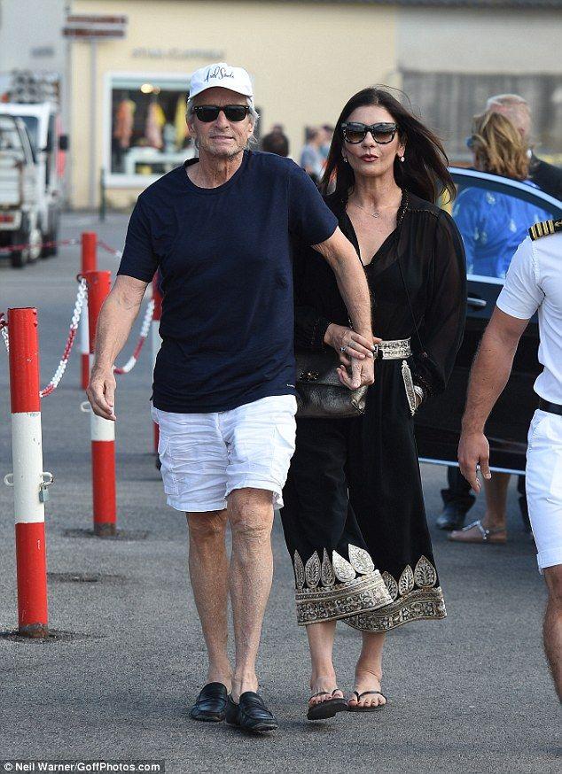Catherine Zeta Jones Cuddles Up To Michael Douglas In St Tropez Catherine Zeta Jones St Tropez Catherine