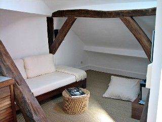 Marais 1 Bedroom Attic Hideout Ideal Location Vacation Rental In Paris Arr 3 Marais Picasso Museum From Loft Bed Convertible Bed 3rd Arrondissement