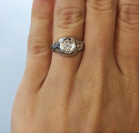 Vintage Engagement Rings Under 3000 Dollars