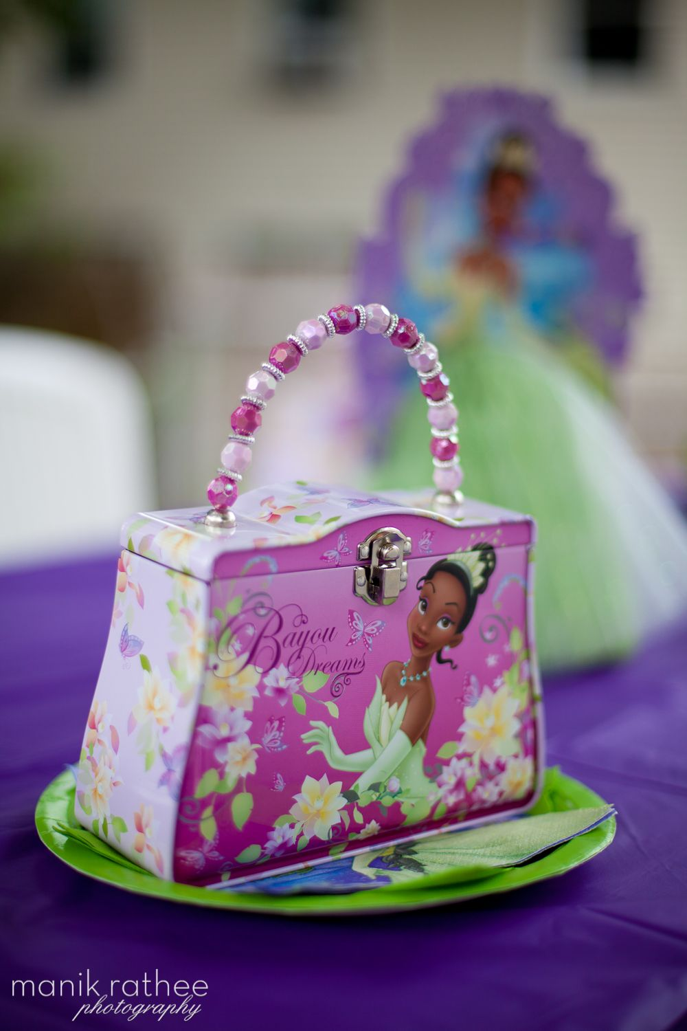 Lunchboxes filled with candy for Favors    Photo: www.ManikRatheePhotography.com