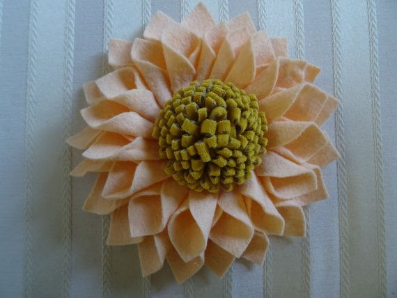 Exquisite Large Wool Felt Dahlia Brooch/Pin by Leophonse on Etsy