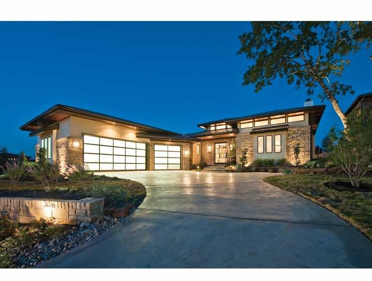 Contemporary Style House Plan 4 Beds 4 Baths 4237 Sq Ft Plan 935 5 Prairie House Prairie Style Houses Craftsman Floor Plans