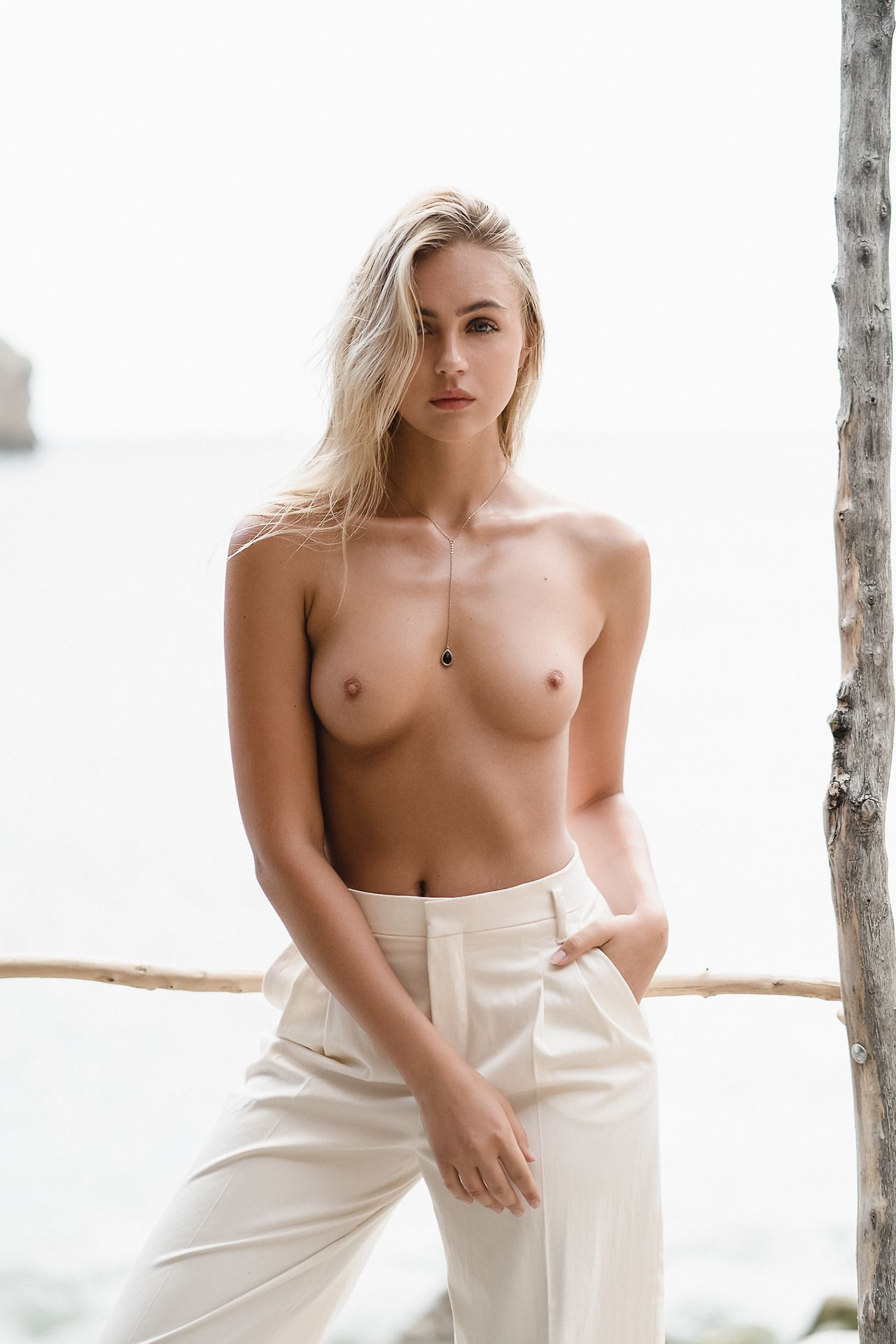 Reese witherspoon in twilight,Paris hilton braless 7 Photos Erotic nude Rita ora at memorial service for franca sozzani in milan,Gigi hadid boobs