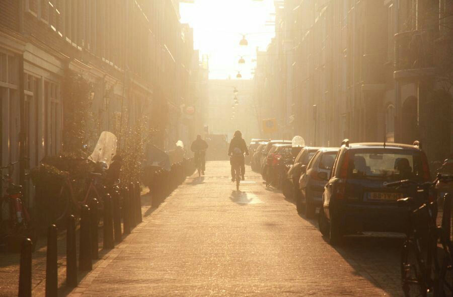 A sunny morning in a wintery Amsterdam. To work on the bicycle ♥  #sunny #morning #winter #amsterdam #jordaan #bicycle #bike