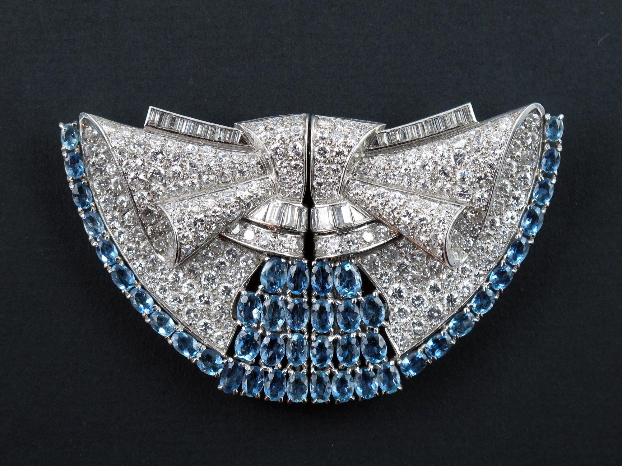 Doppia clips, platino, diamanti, acquamarine, 1930 circa