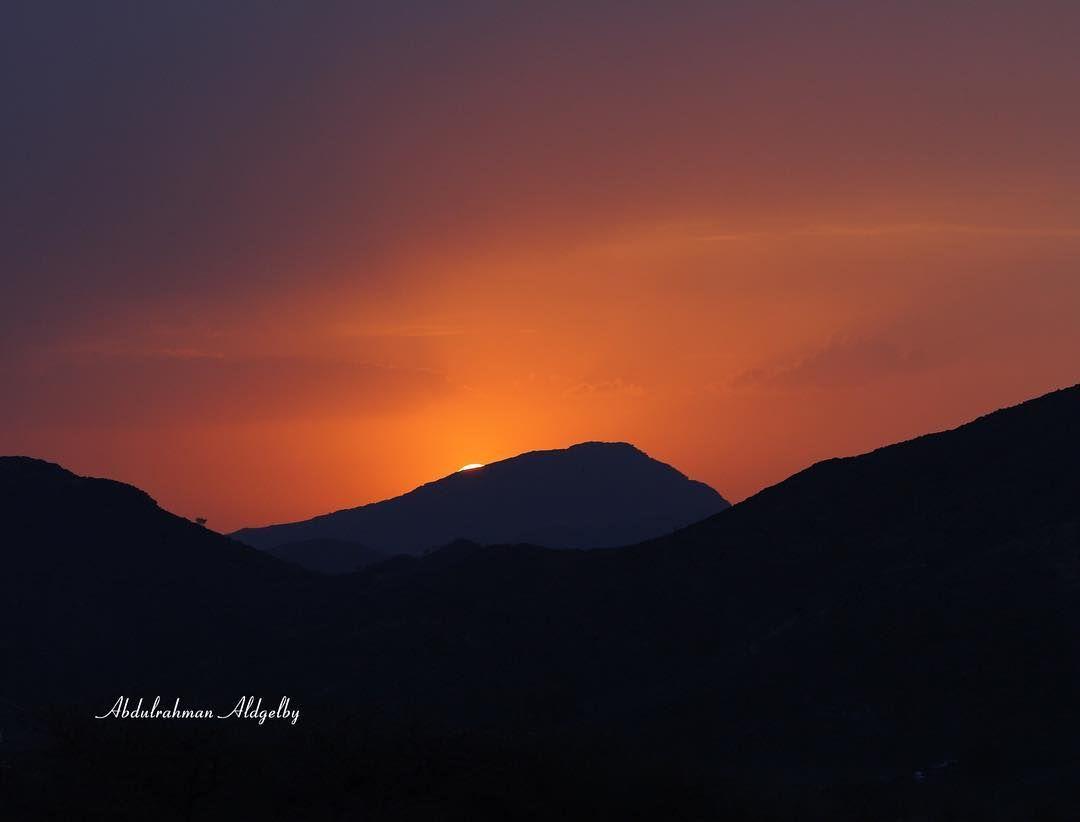 تصويري عيش السعودية عبدالرحمن الدغيلبي قطفنا الورد Saudiarabia Everydaysaudi Shipwreck Beach Guardiantravelsnaps Lo In 2020 Photography Celestial Sunset