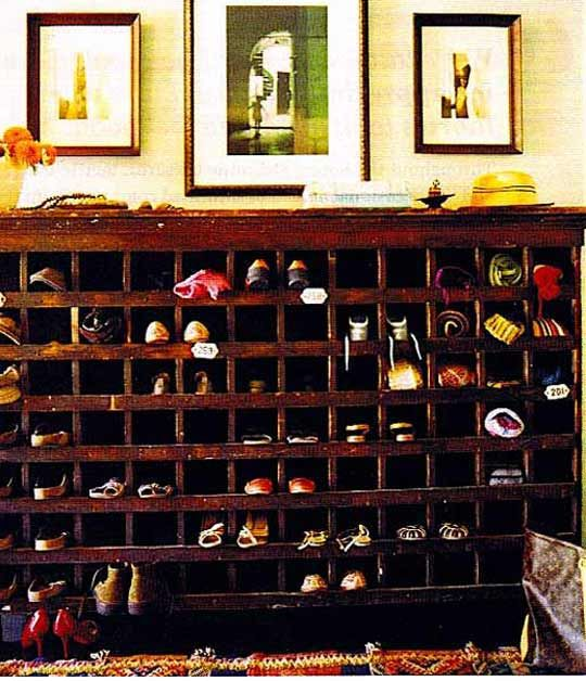 Mail caddy as shoe closet - how cool