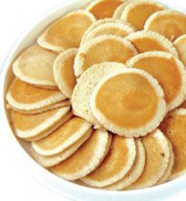طريقة عمل عجينة القطايف اسأل ماما Sweets Recipes Food Yummy Food