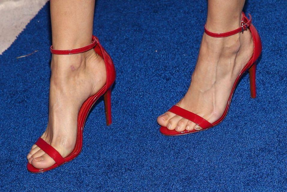Debby Ryan&#39;s Feet << wikiFeet