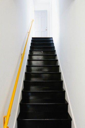 Peindre un escalier en bois avec la Peinture Rénovation V33 - Repeindre Un Meuble Vernis En Bois