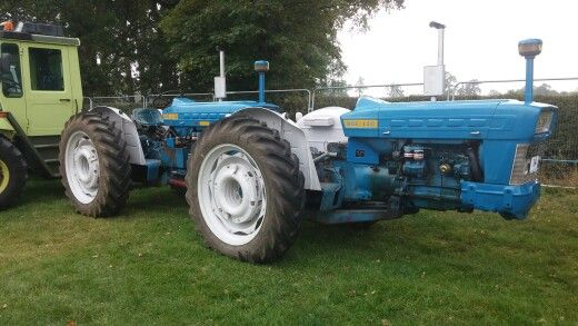 Ford doe 130 | Ford traktor | Pinterest | Tractors, Antique cars og Vehicles