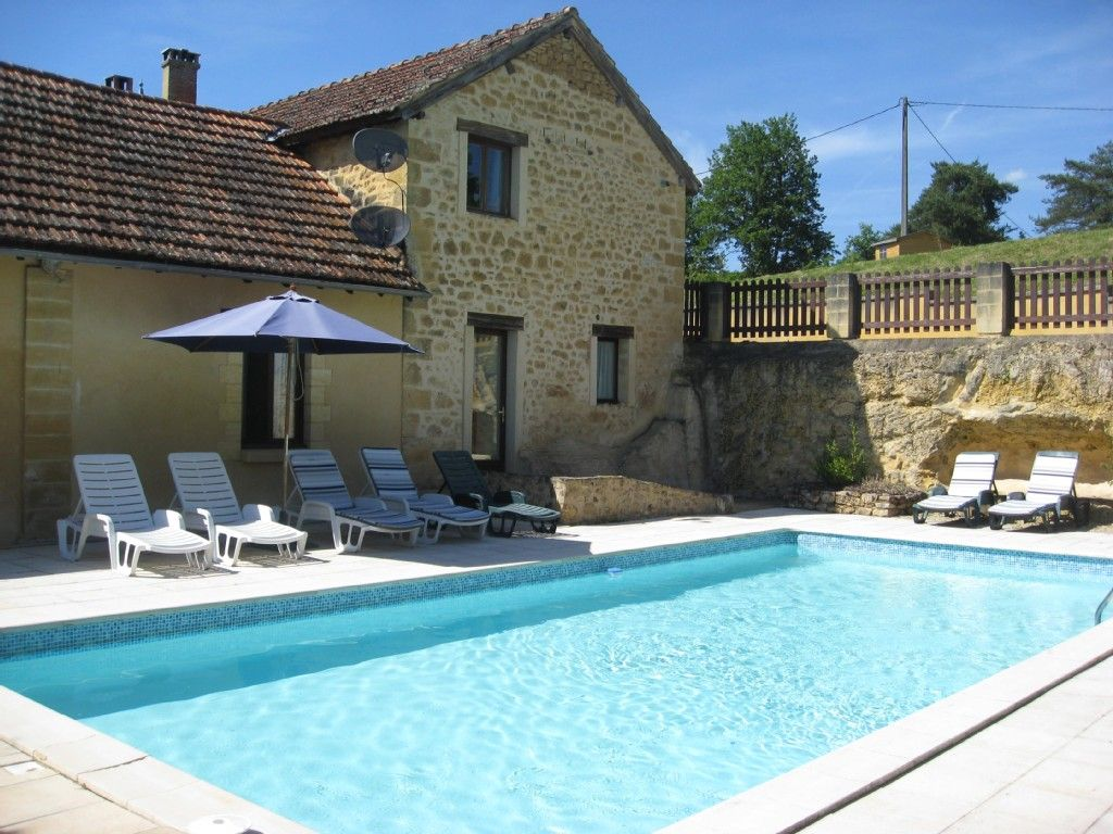 Peyzac Le Moustier Cottage Rental   Dordogne Gite For 2, With Shared Pool,  Near