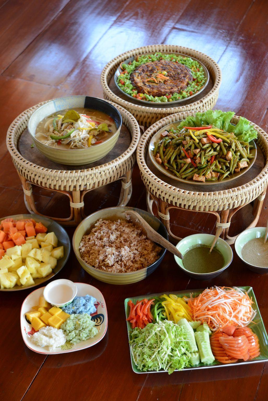 Museflower-Retreat-Spa-Chiang-Rai-vegetarianThai-buffet.jpg (1028×1540)