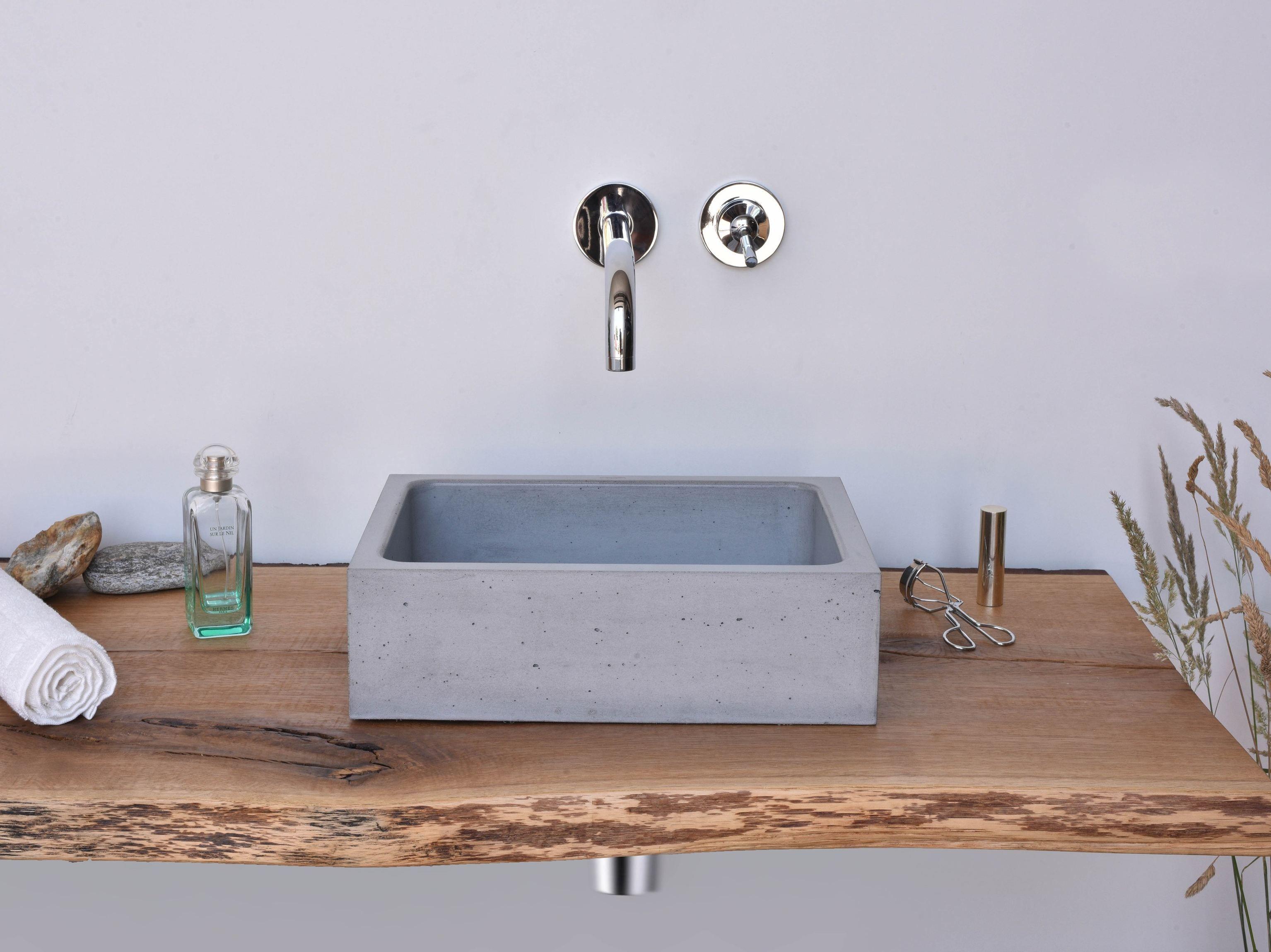 rechteckiges aufsatzhandwaschbecken aus beton box mini by gravelli design tom vacek. Black Bedroom Furniture Sets. Home Design Ideas