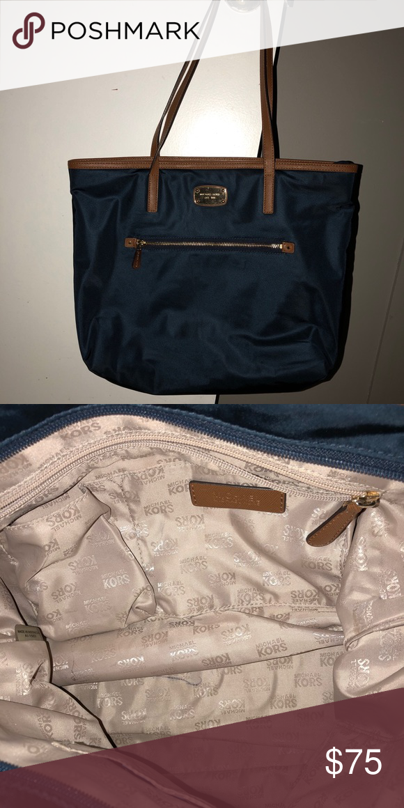 26a035c8a8d024 Mk large bag Great condition! Only flaw is own mark inside Michael Kors  Bags Totes