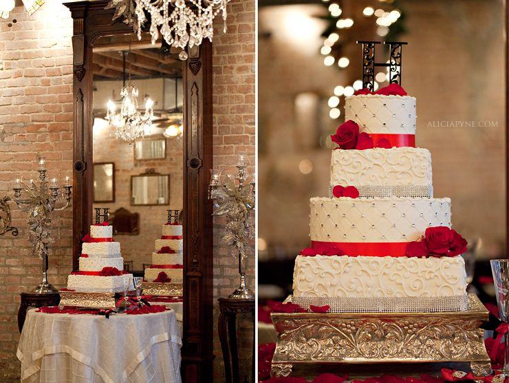 Helens gardens league city wedding cakes