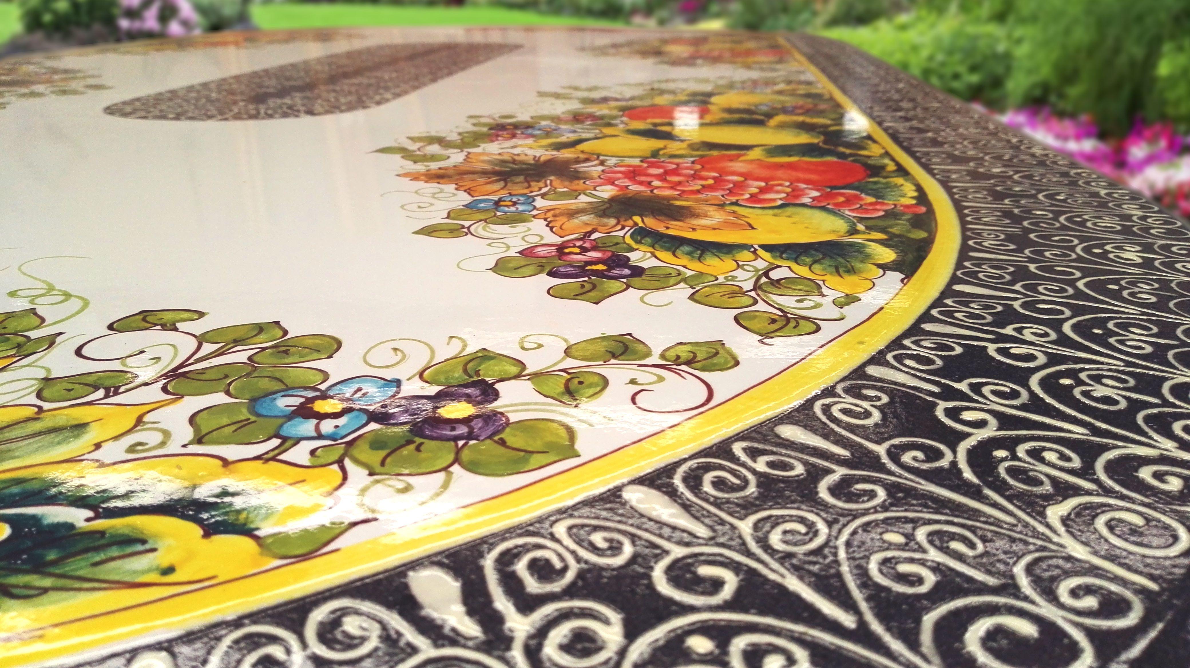 Tavolo Vietri ~ Tavolo in pietra lavica ceramizzata dipinto interamente a mano