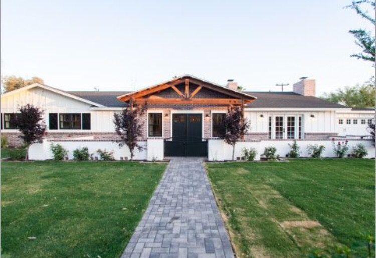 stucco modern farmhouse exterior farmhouse exterior on industrial farmhouse paint colors id=34155