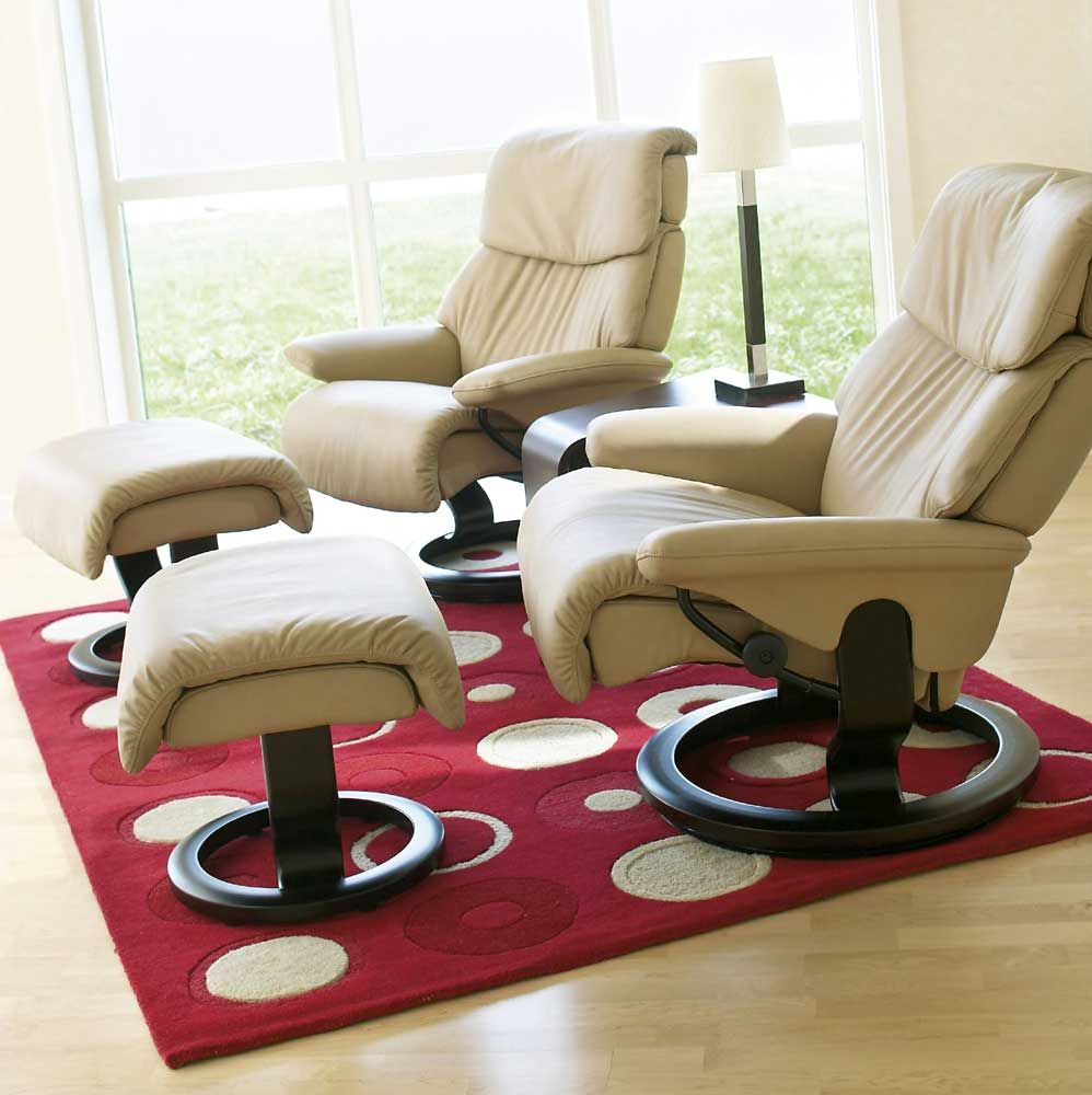 Stressless Recliners Dream Small Reclining Chair And Ottoman By Stressless By Ekornes At Rotmans Small Comfortable Chairs Small Recliners Stressless Furniture #recliner #in #small #living #room