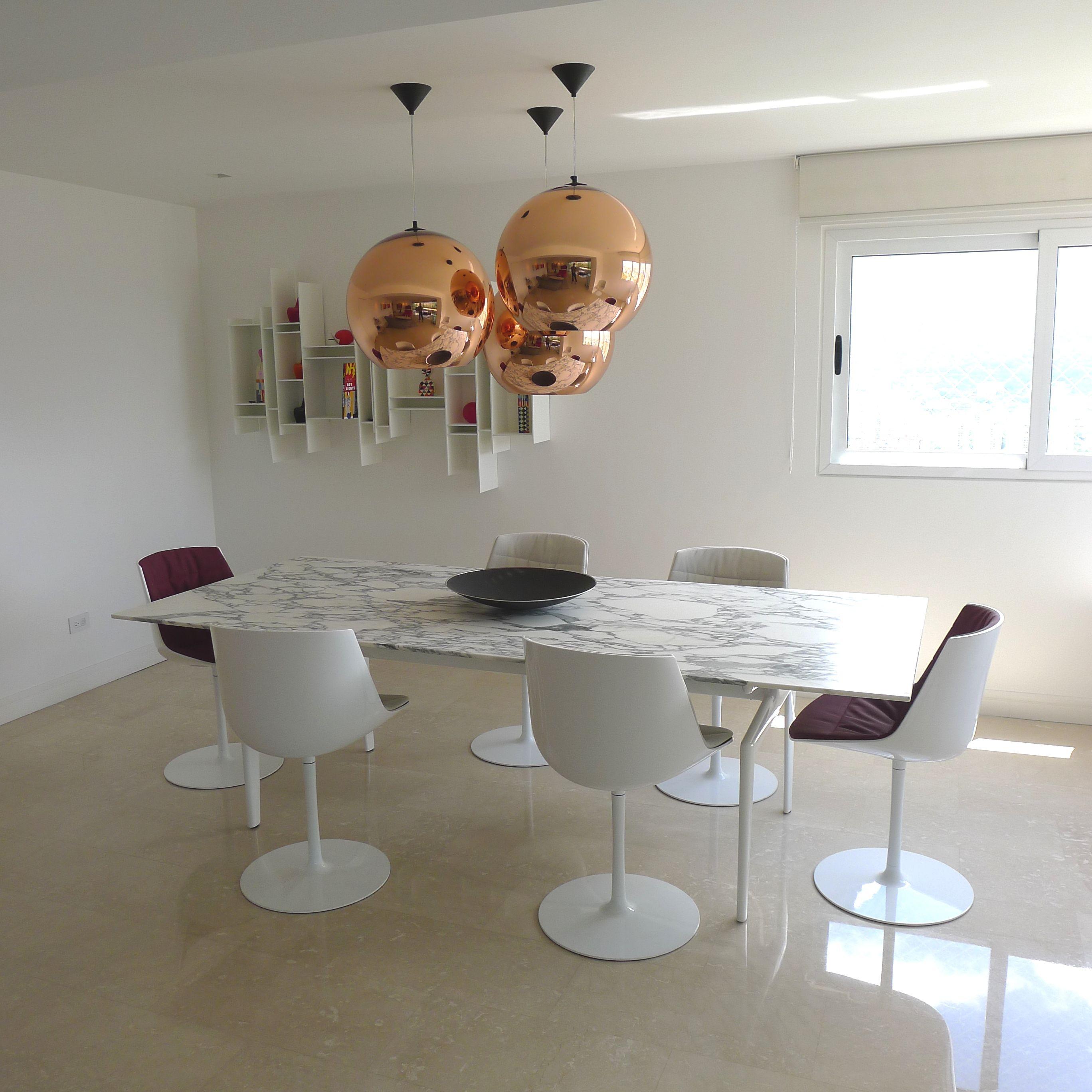 Area De Comedor Igual Mucha Luz Natural Por Las Ventanas Conjunto Y Minimalismo Apartamento Moncada Barros Home Decor Decor Furniture
