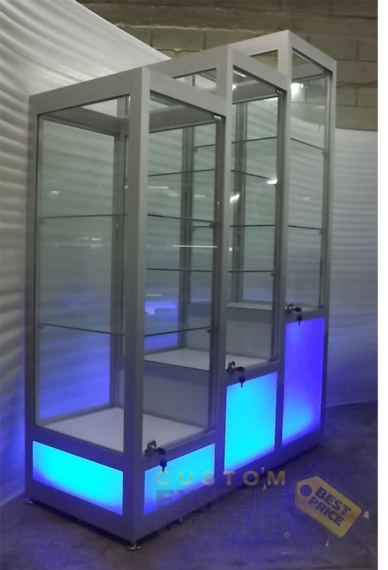 Beautiful Tall Showcases Special For Displaying Mannequins Or Trophies Customshowcases
