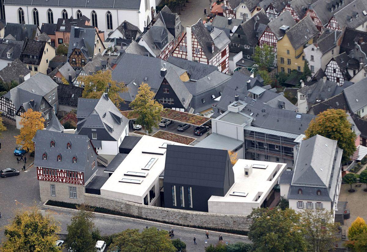 German 'Bishop Of Bling' Franz-Peter Tebartz-van Elst Retreats To Monastery After Pope's Expulsion Order