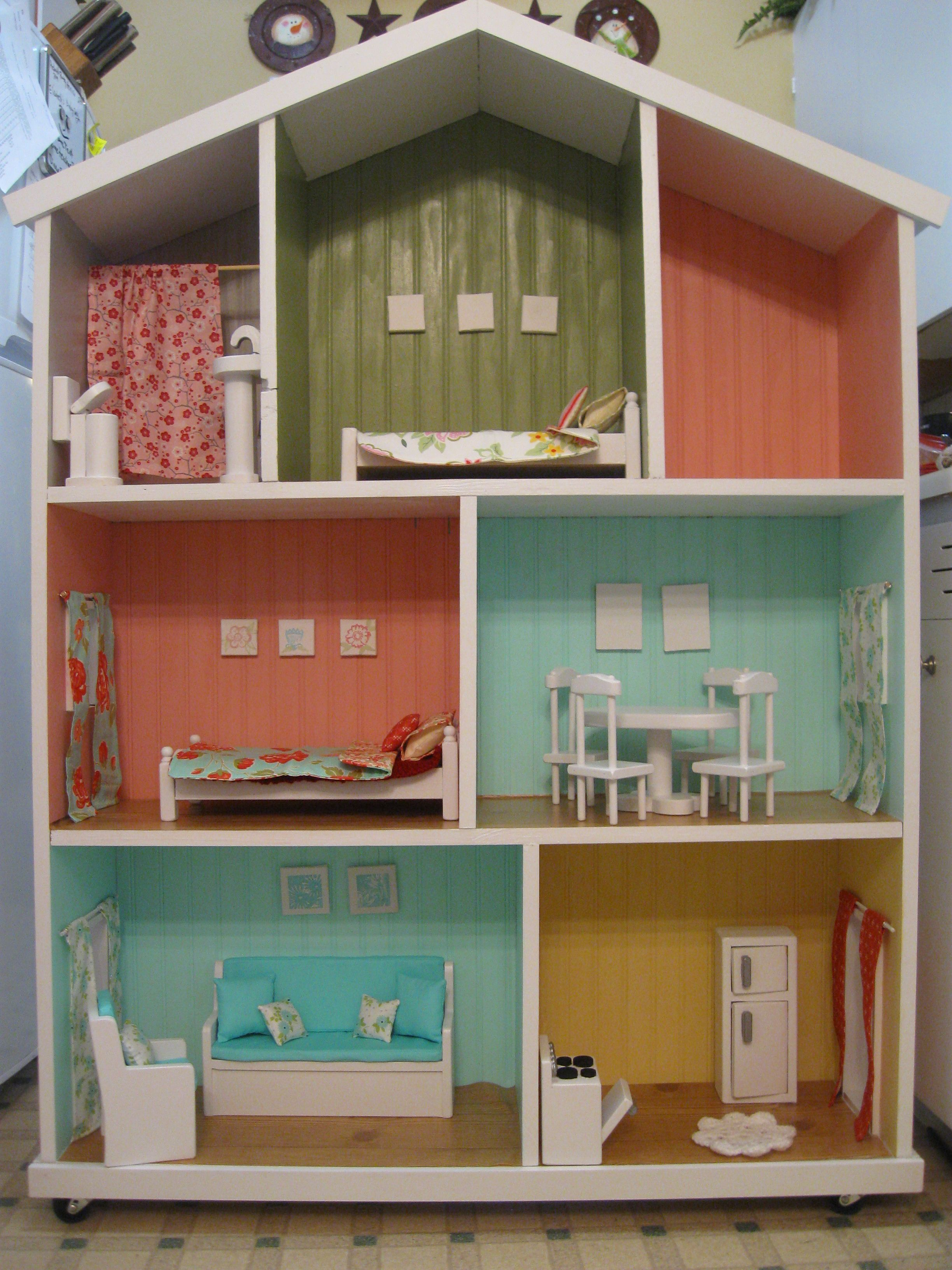 Barbie Dollhouse in the making.   casas en miniatura   Pinterest ...