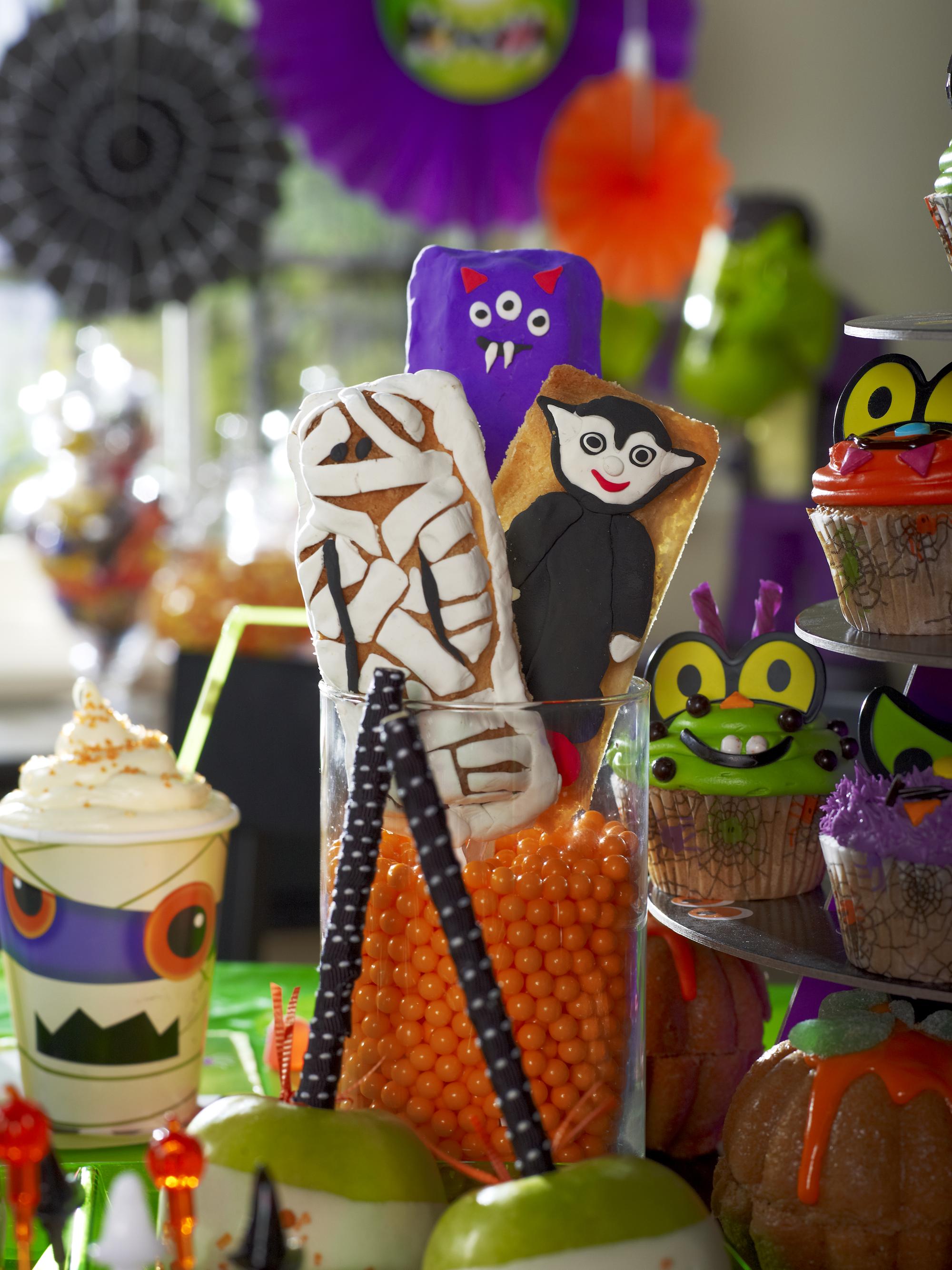 Cookies! Halloween Halloween treats, Party expert