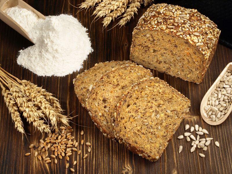 Flohsamen Brot Zutaten: 10 g Sonnenblumenkerne,10 g Leinsamen,10