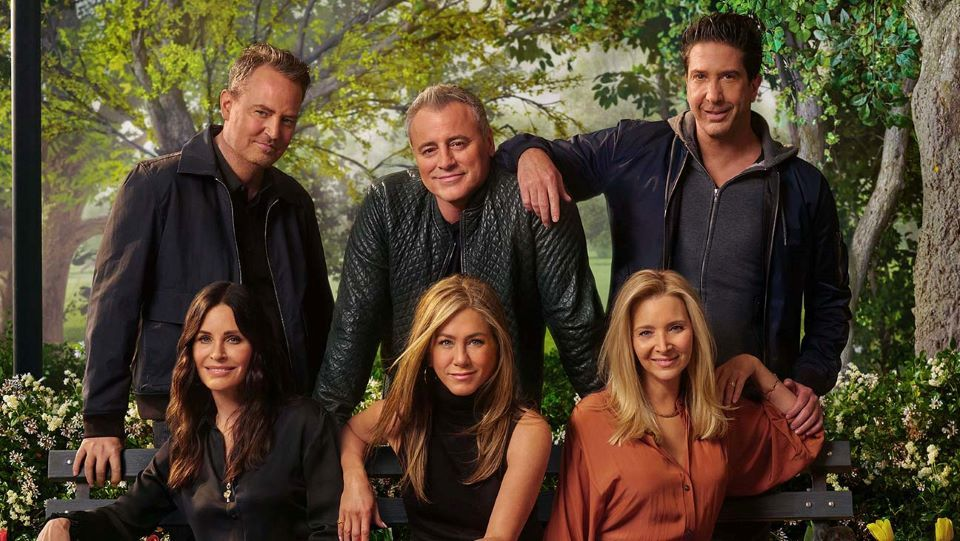 The Friends Reunion Is Finally On Hbo Max Here S How To It Stream For Free Eagles Vine Em 2021 Elenco Friends Matt Leblanc David Schwimmer