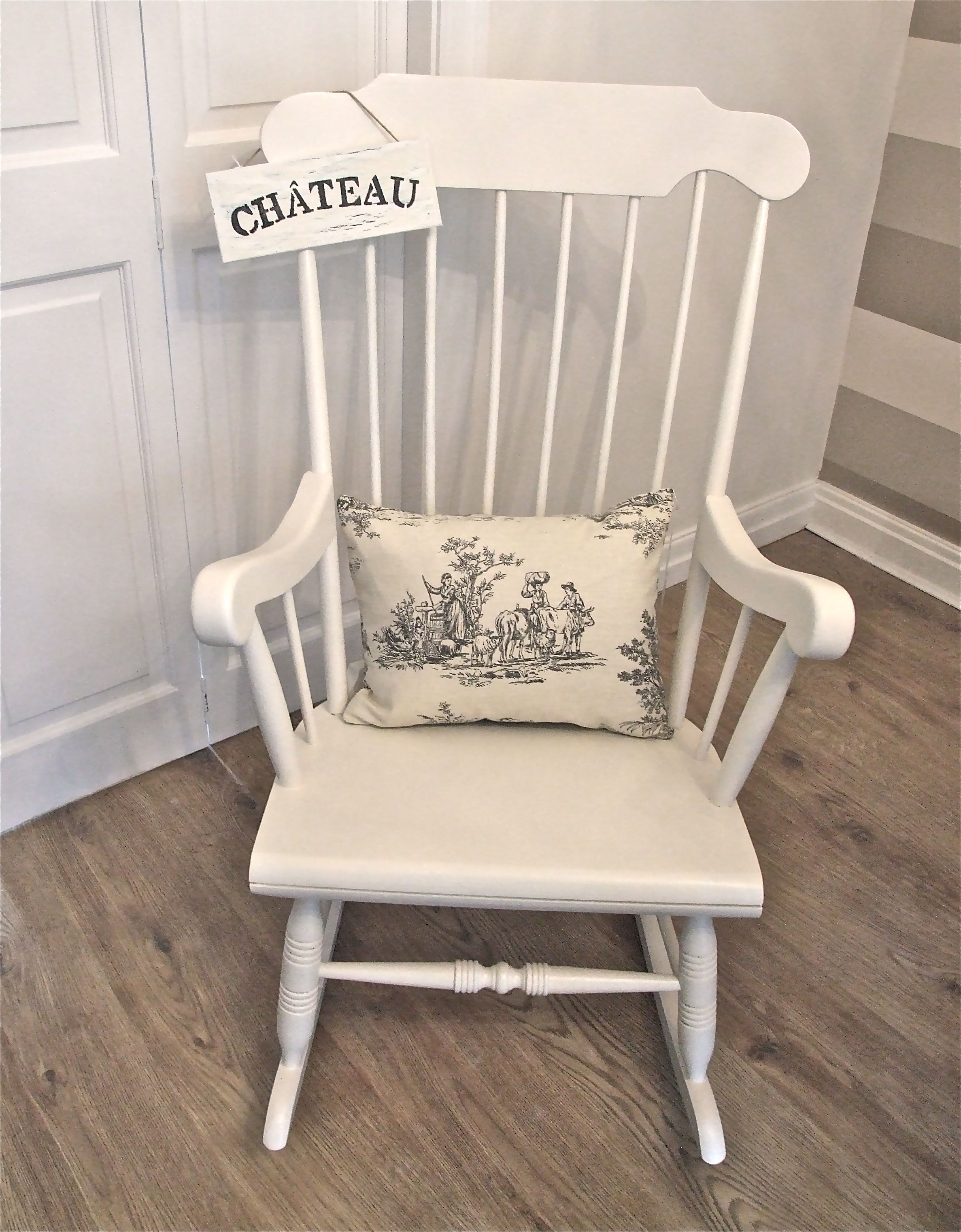 Phenomenal Vintage Rocking Chair By Little France Boutique Furniture Interior Design Ideas Inamawefileorg