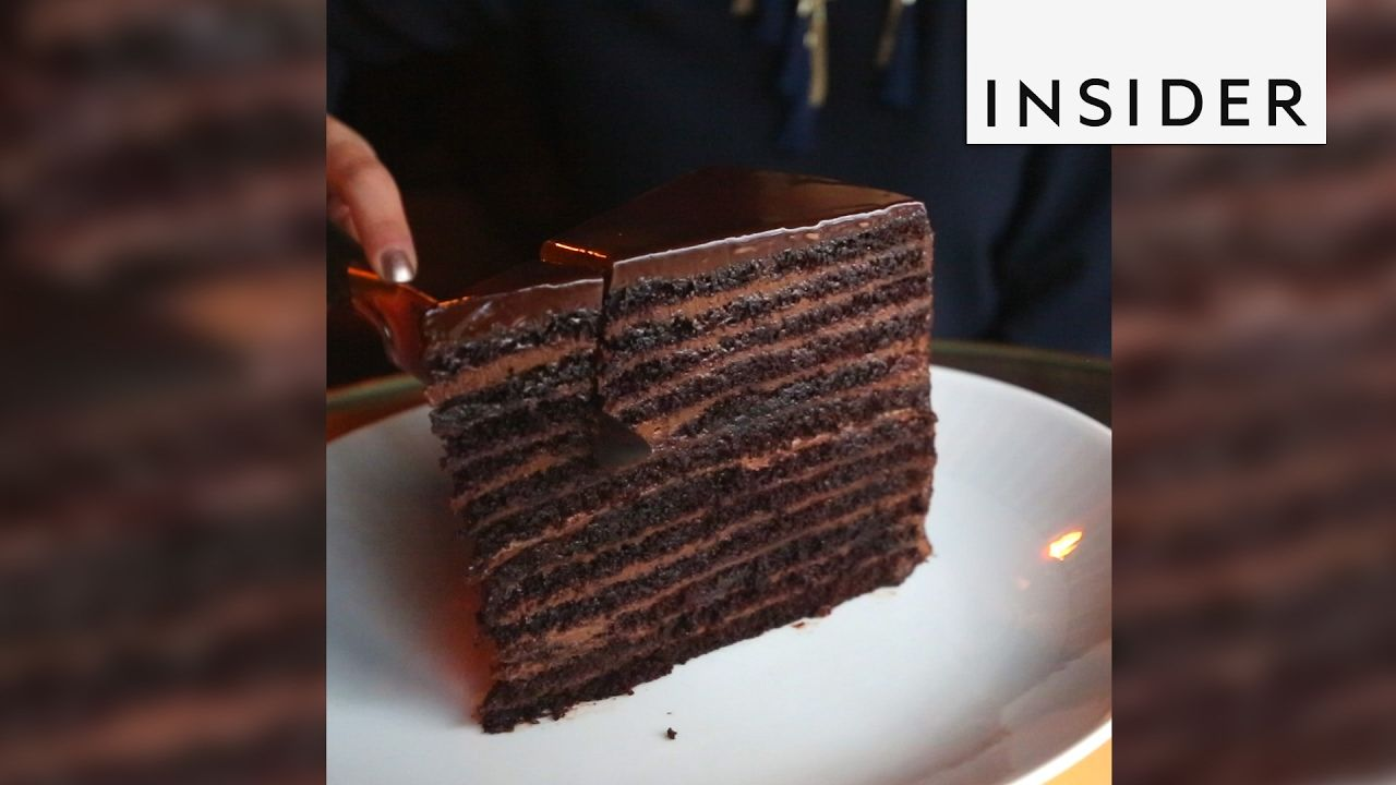 Chocolate Cake Has 24 Layers And Weighs 20 Pounds House Cake