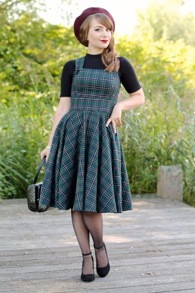 b0fc2ac3a6067 The 40s style green plaid Peebles pinafore dress by Hell Bunny review