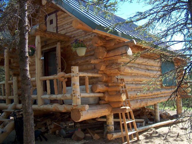 Alaska Log Cabins | We Just Need To Finish The Loft Railing And The Stair  Railing
