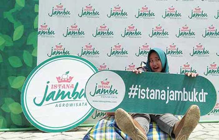 Istana Jambu Harga Tiket Masuk Rute Dan Fasilitas Istana Tiket Membaca
