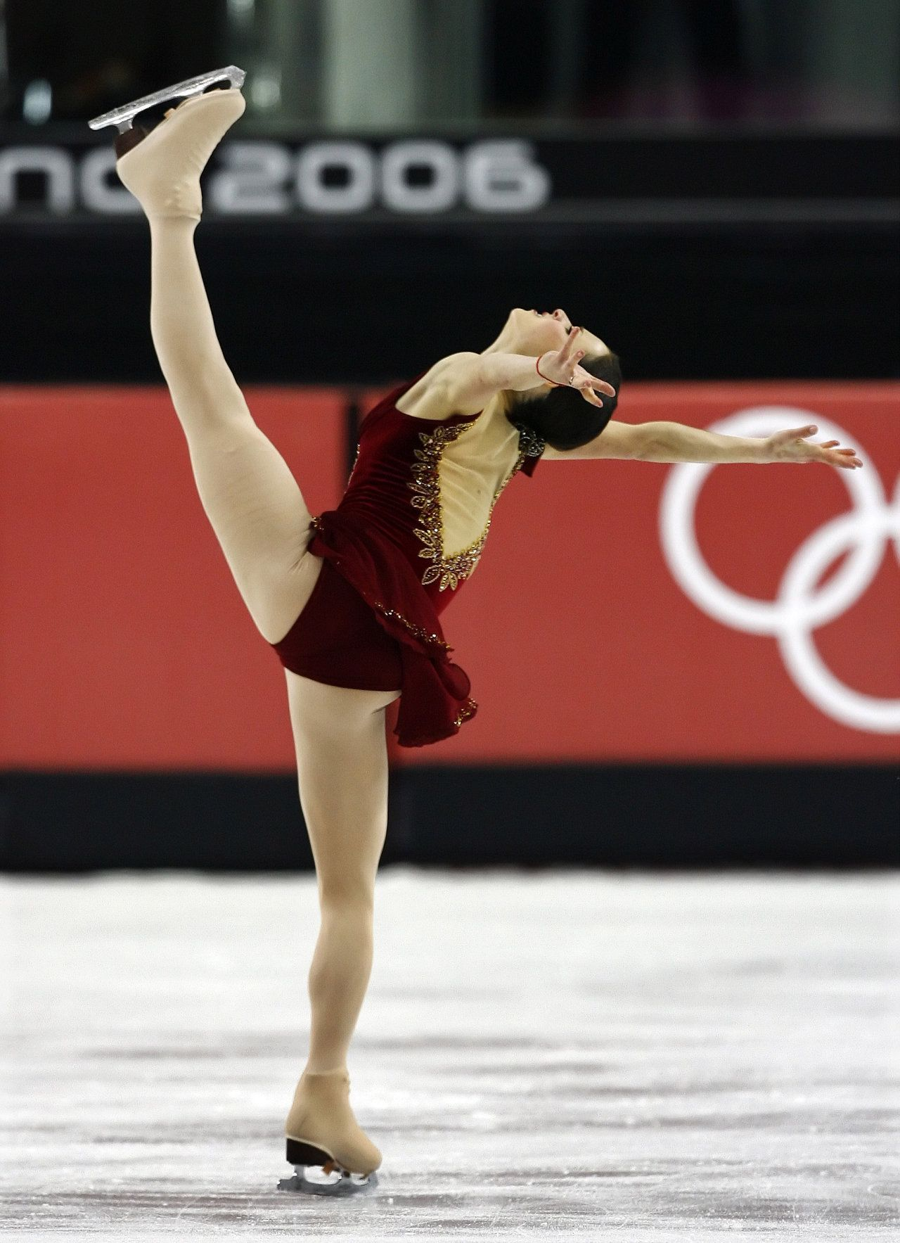Watch Sasha Cohen reigning US Figure Skating Champion Olympic silver video
