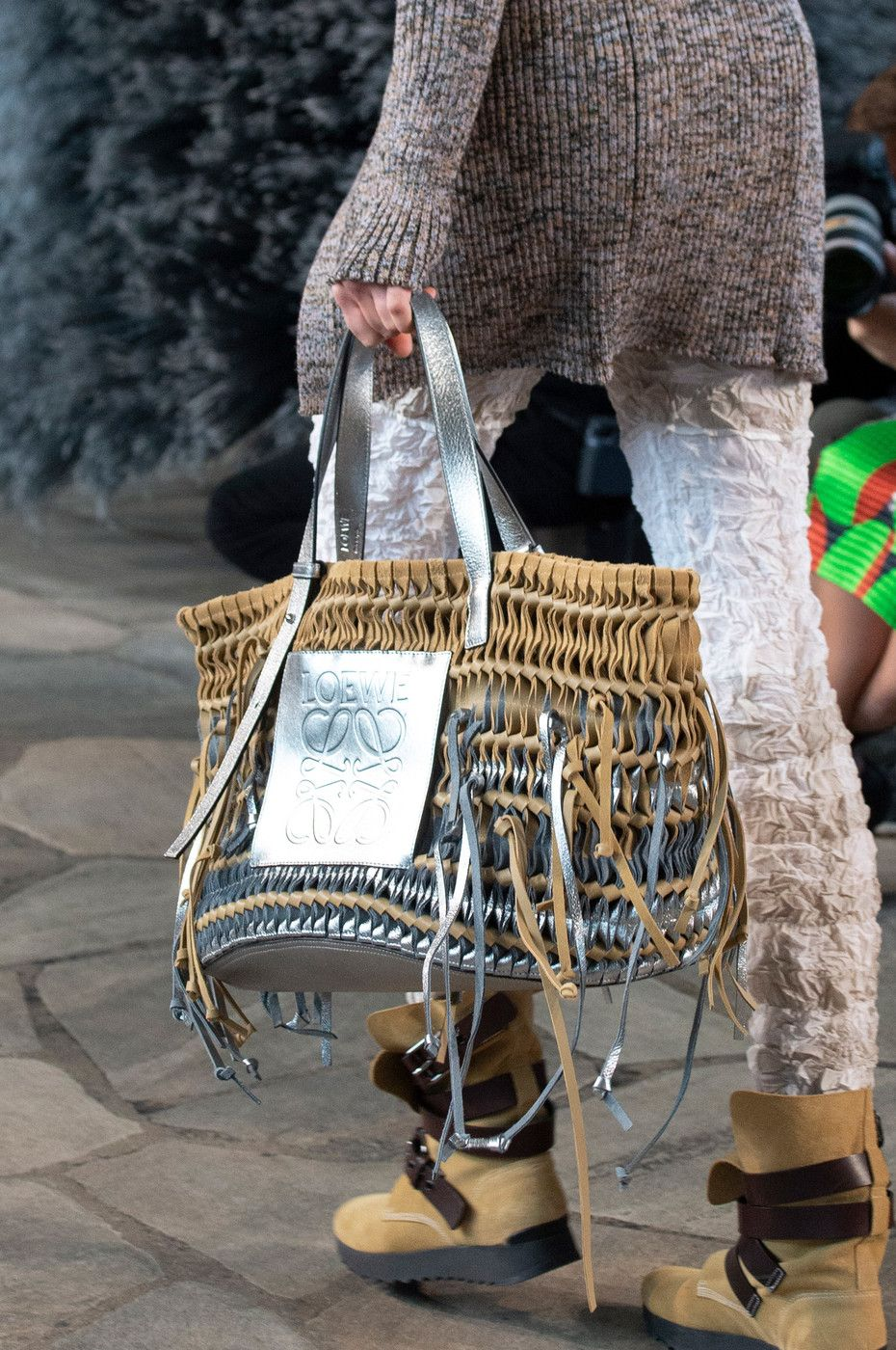 7b9c0d26ff Loewe at Paris Fashion Week Spring 2019 - Details Runway Photos