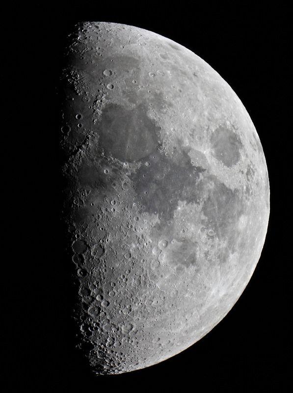 Best 25+ The moon tonight ideas on Pinterest   Look at the ...