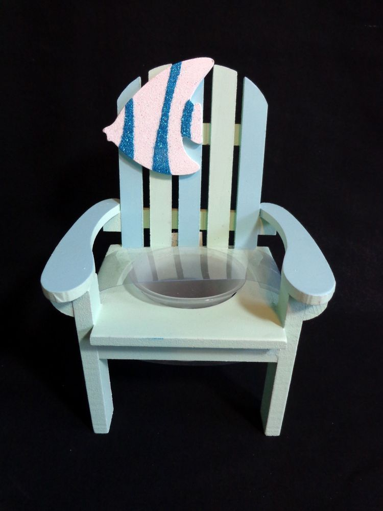 Keep calm and start a little candle fire on this beach chair.
