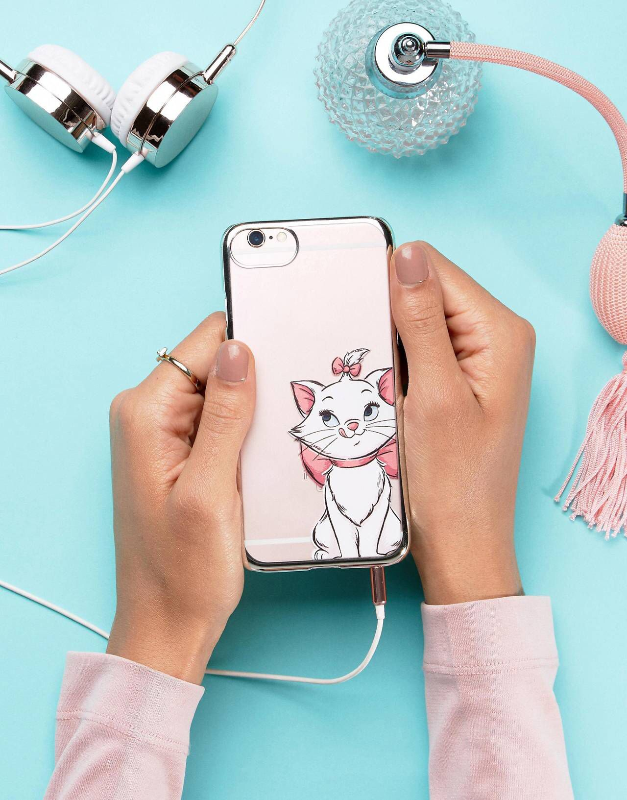 innovative design f7113 06fa1 Disney Marie iPhone 6/6S/7 Case in 2019 | I want you, I need you, oh ...