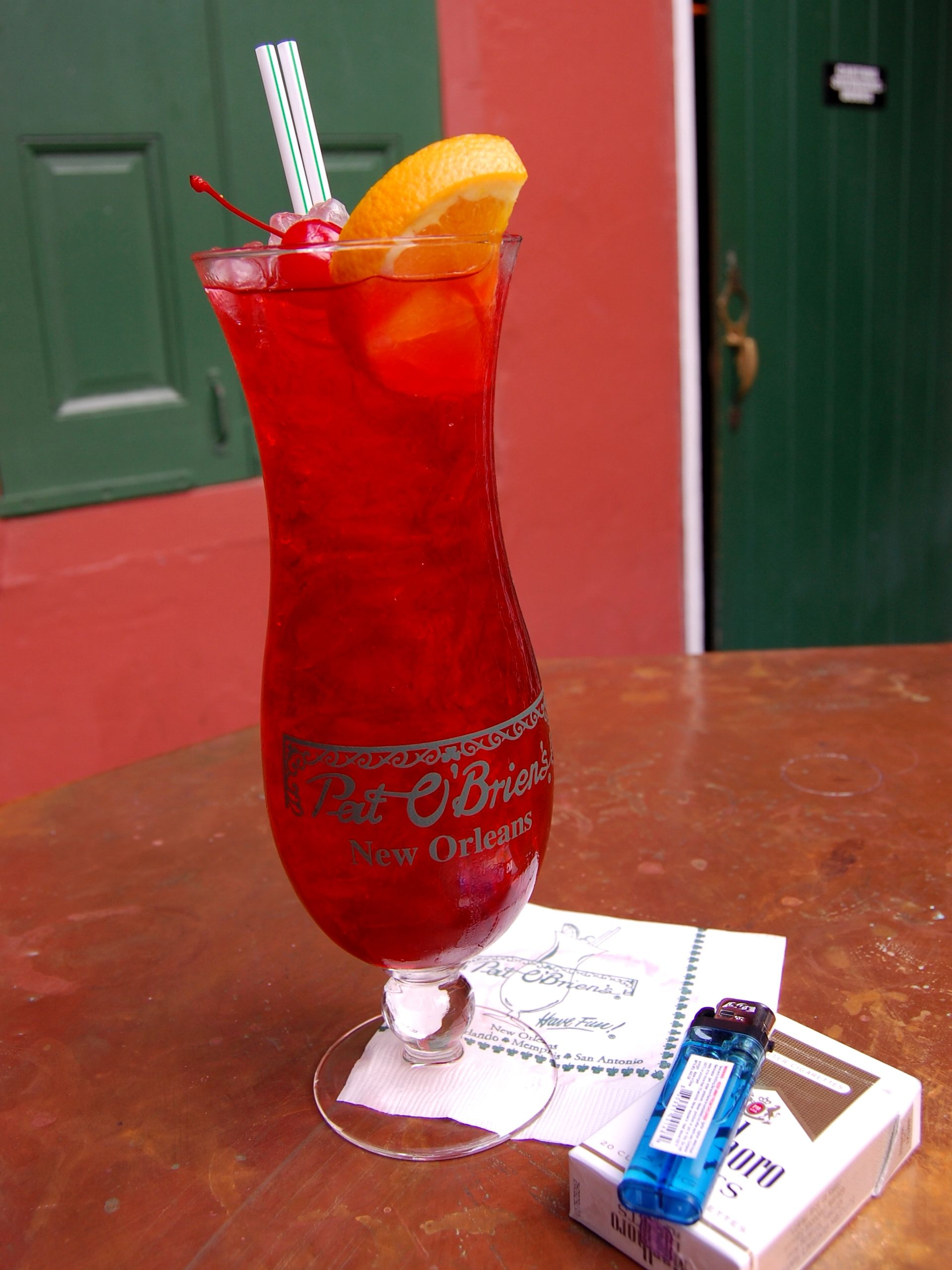 Singapore Sling Acceda A Nuestro Sitio Mucho Mas Informacion Https Storelatina Com Singapore Travelli Hurricane Drink Recipe Hurricane Drink Summer Drinks